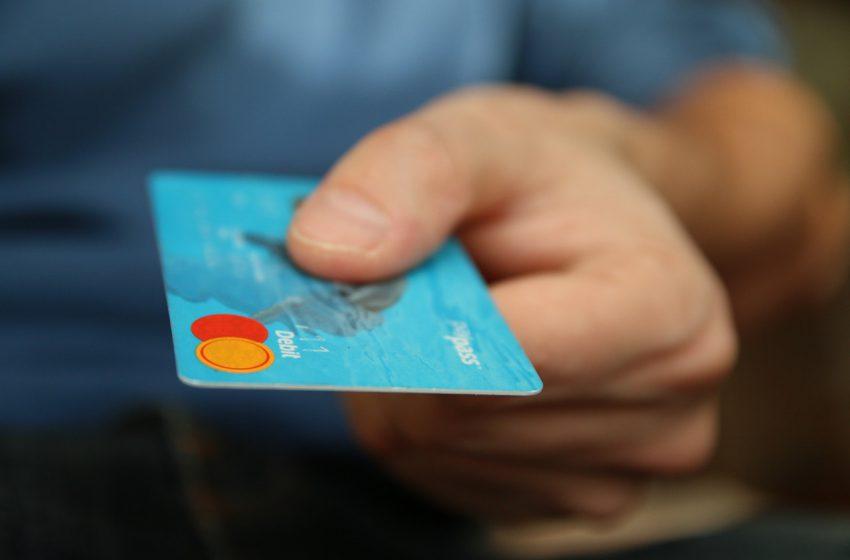 Jak działa karta kredytowa i jaki jest koszt jej posiadania?