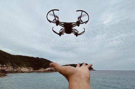 Nauka latania dronem – jak się za to zabrać?