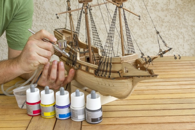 budowa małego modelu łodzi